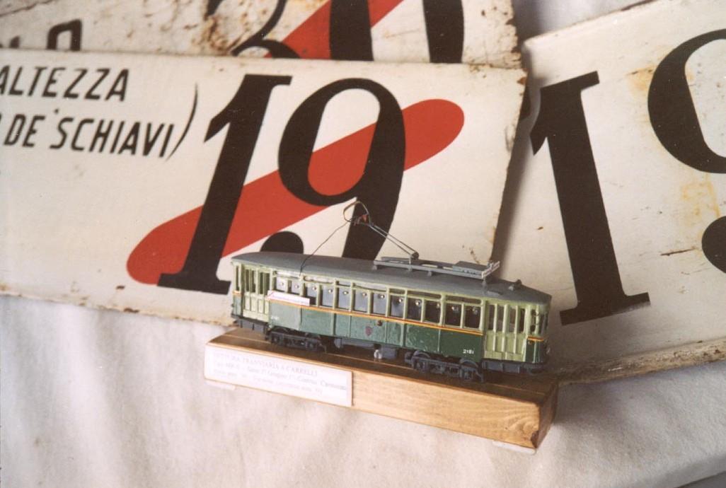 Modelli di tram di roma in scala h0 di m trinchieri - Modelli di scale ...